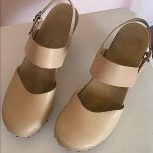 Dansko cream color shoes Size 41